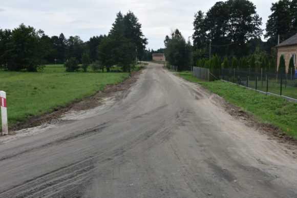 Przebudowa drogi w Żelechach. Wkrótce pojawi się tam asfalt