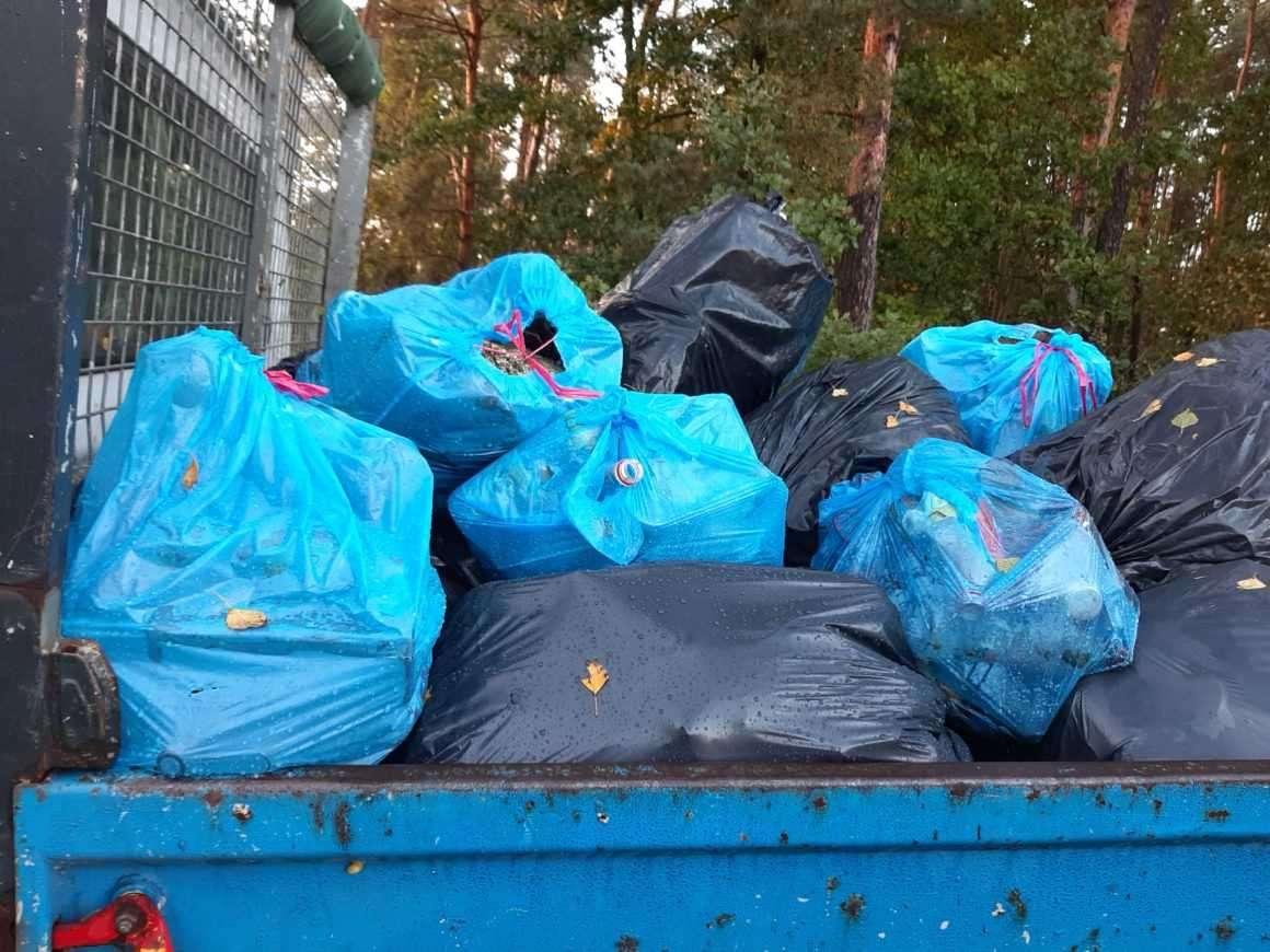Wkra wysprzątana. W gminie Sochocin zebrano blisko 50 worków śmieci