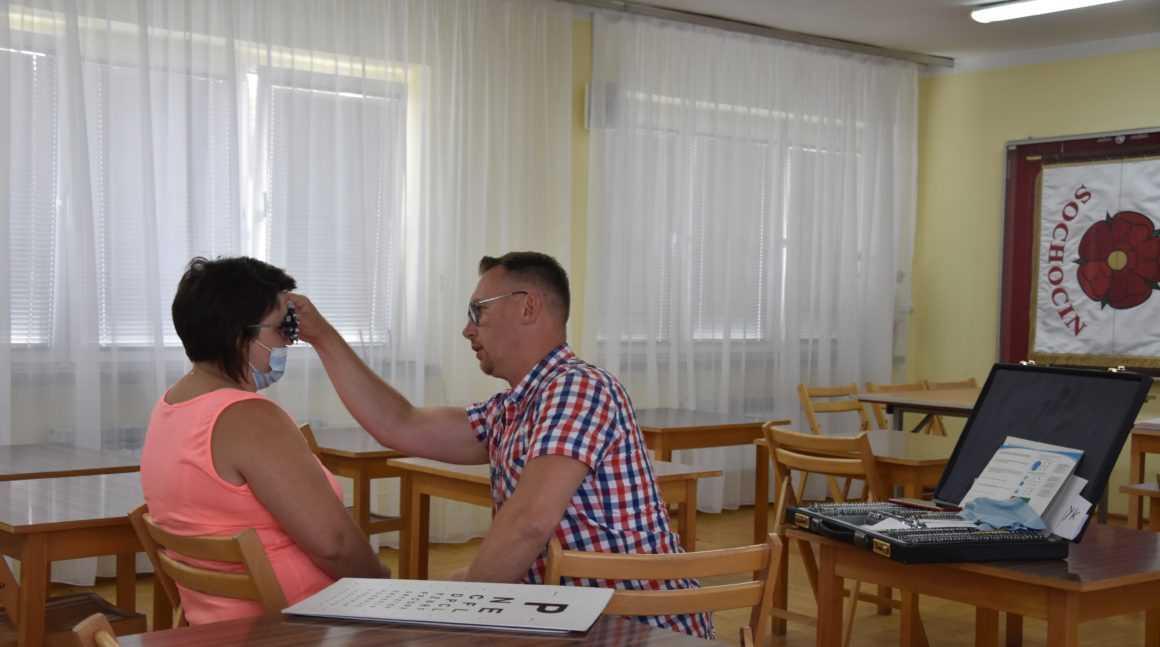 Badanie wzroku w Sochocinie. Bezpłatnie przebadano 21 osób